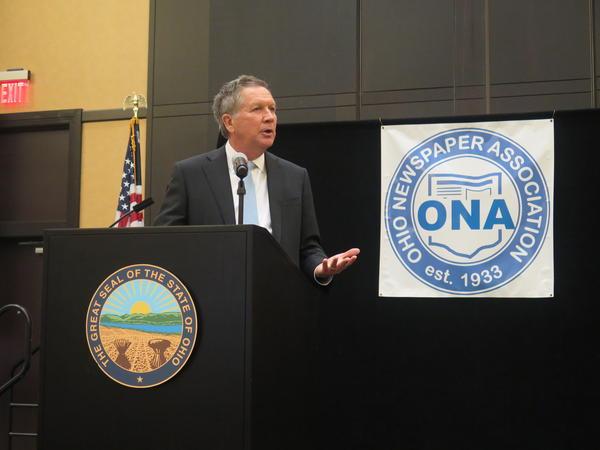 Gov. John Kasich speaks at the Ohio Newspaper Association.