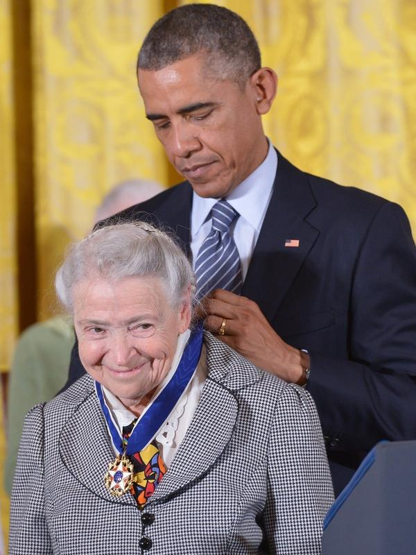 President Barack Obama presents the Presidential Medal of Freedom, the highest civilian honor in the U.S., to Mildred Dresselhaus at the White House in 2014.