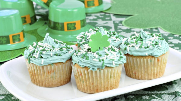 Green cupcakes may mean party time in America, but in Ireland, emerald-tinged edibles harken back to a desperate past.