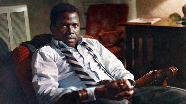 Sidney Poitier smolders — and swelters — in <em>In the Heat of the Night</em>.