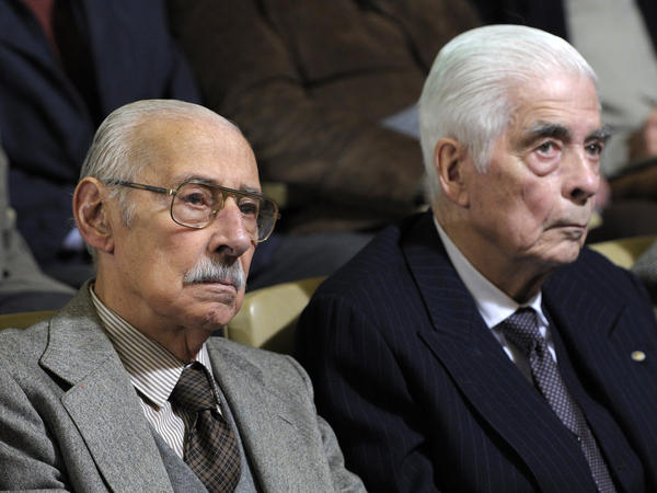 Argentina's former dictator Jorge Rafael Videla (left) and Luciano Benjamin Menendez, a former general, appeared during their trial in Cordoba, Argentina, on July 22, 2010.