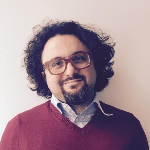 Dr. Hussam Jefee-Bahloul is the founder of Ta'sheeq, a group that puts on performances with Syrian poets, artists and musicians.