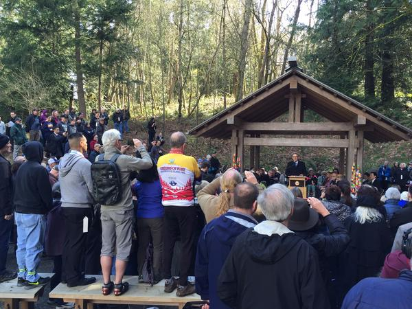 More than 200 people including Washington Governor Jay Inslee gathered on Bainbridge Island Thursday to commemorate the 75th anniversary of the forced removal of island residents of Japanese ancestry in 1942.