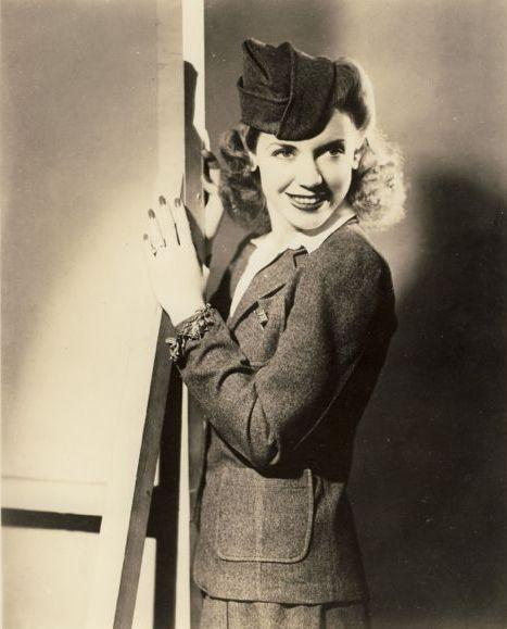 "During World War II, ""Canteen Girl"" Phyllis Jeanne Creore spoke and sang to the troops and their loved ones for 15 minutes every week on NBC radio."