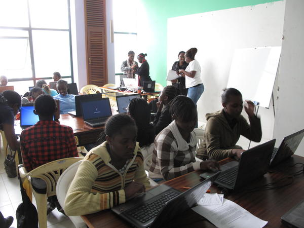 High school girls in Nairobi at a computer workshop organized by Akirachix.
