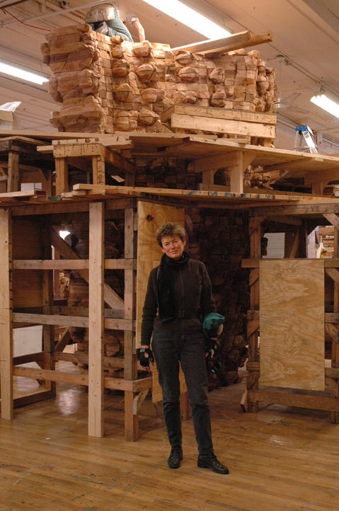 Ursula von Rydingsvard works massive blocks of cedar into sculptures, like <em>Czara z Babelkami, </em>pictured here.