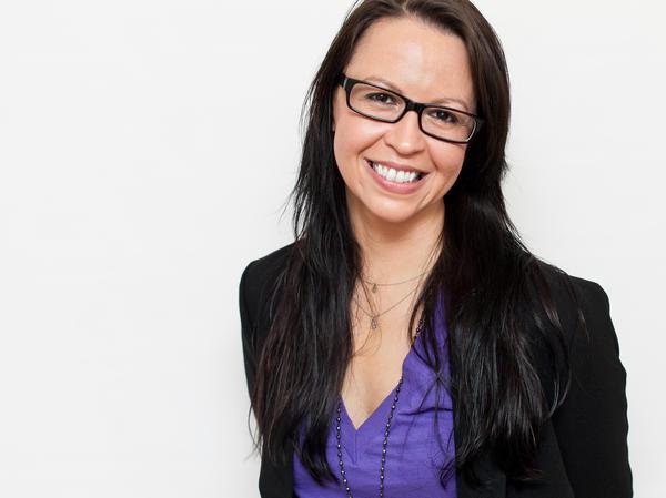 Jennifer Keishin Armstrong spent a decade on staff at <em>Entertainment Weekly</em> and now writes for several magazines including <em>New York Magazine</em>, <em>Fast Company</em> and <em>Writer's Digest</em>.