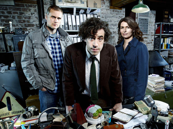 Darren Boyd (from left), Stephen Mangan and Helen Baxendale star in the BBC's <em>Dirk Gently.</em>
