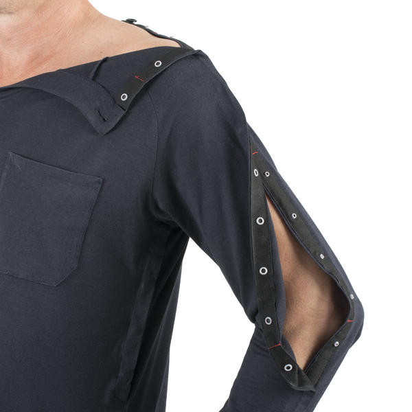INGA Wellbeing men's jersey top arm and chest access.