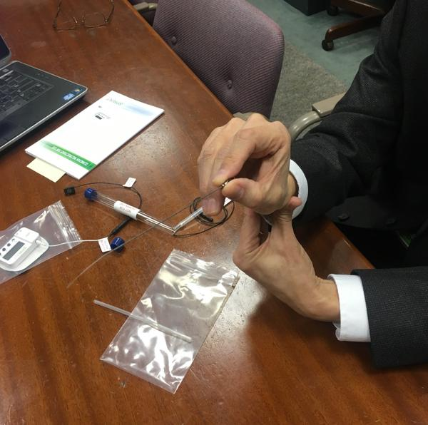 An electrical pain reliver made by Cleveland-area company SPR Therapeutics is seen as a good alternative to opioids.