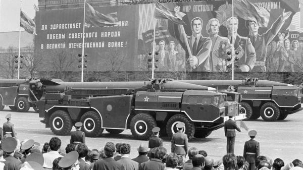 A Soviet SS-21 tactical short-range nuclear missile is shown for the first time in Red Square, at the Victory Day parade in Moscow, Russia on May 9, 1985.