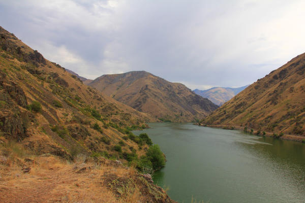 <p>The Snake River carves its way through Hells Canyon along the Idaho-Oregon border. A multiyear study of mercury contamination in the fish along this stretch of the river is currently underway.</p>