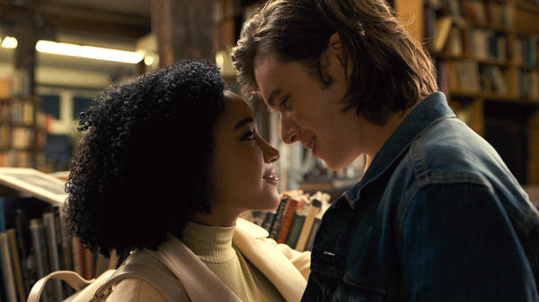 Amandla Stenberg as Maddy and Nick Robinson as Olly in <em>Everything, Everything</em>.