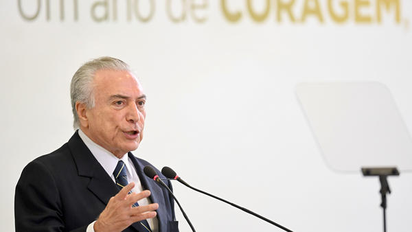 Brazilian President Michel Temer delivers a speech at the Palacio do Planalto in Brasilia, Brazil, on May 12. On Thursday he denied allegations of corruption and rejected calls for his resignation.