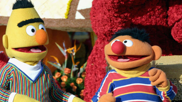 Sesame Street's Bert and Ernie in the 2005 Tournament of Roses Parade. They even look like a clash between Order and Chaos, don't they?