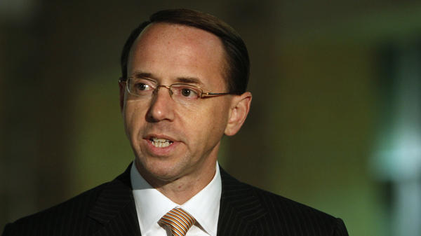 U.S. Attorney Rod Rosenstein speaks outside the U.S. District Court in Greenbelt, Md., on Nov. 12, 2010.