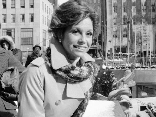 Actress Mary Tyler Moore filming <em>First You Cry</em> in 1978 in New York City.