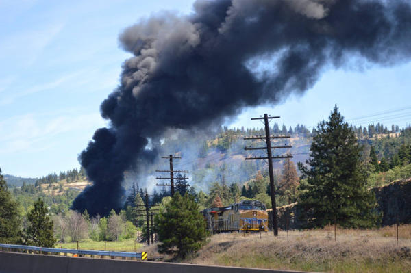 <p>An oil train fire rages on near the bank of the Columbia River on Friday, June 3, 2016.</p>