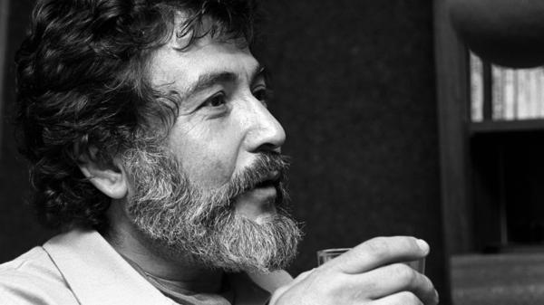 Nat Hentoff is Marian McPartland's guest on this 2006 episode of <em>Piano Jazz</em>.