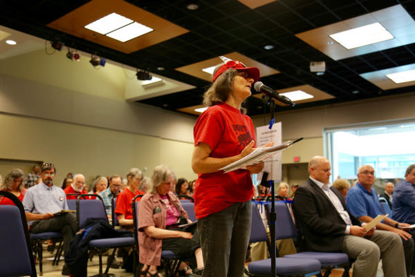 <p>Supporters and opponents testify on a controversial plan to build the nation's largest oil-by-rail terminal in Vancouver, Washington.</p>
