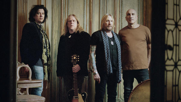 Gov't Mule is Warren Haynes, Matt Abst, Danny Louis and Jorgen Carlsson.