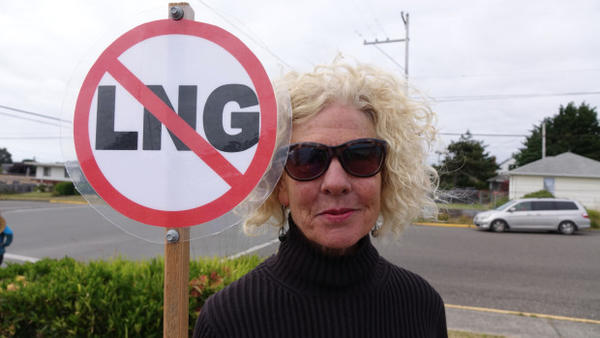 <p>Jordan Cove LNG project protester at a public meeting in Coos Bay.</p>