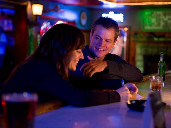 While in town, Steve meets Alice (Rosemarie DeWitt).