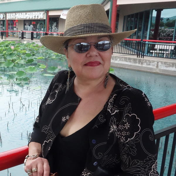 Glenda Joe, a seventh-generation Chinese-Houstonian.