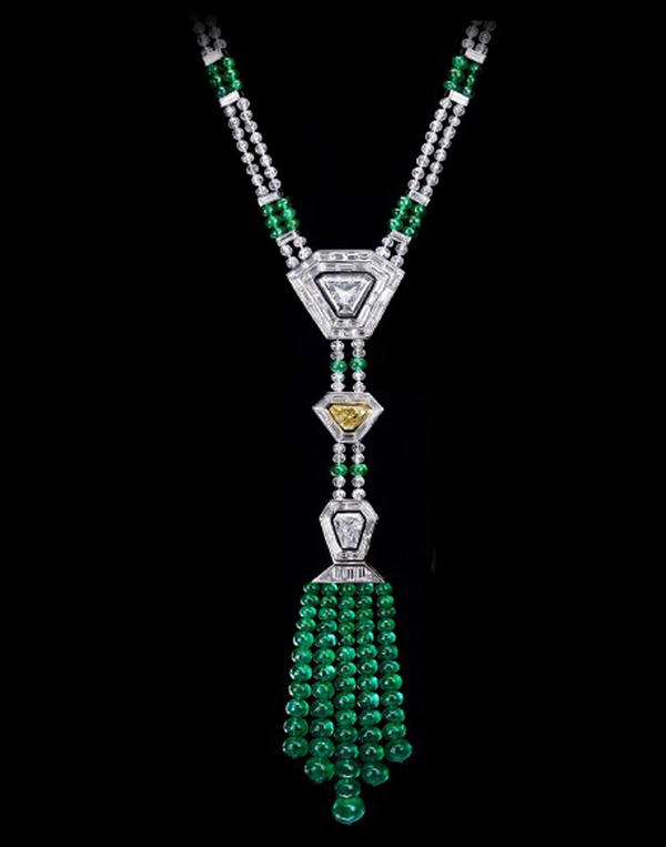 This necklace is among the items stolen in the Carlton heist. A $1.3 million reward is being offered for information leading to the recovery of the jewels.