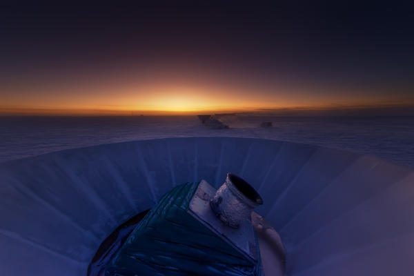 """The <a href=""""http://bicepkeck.org/visuals.html"""">BICEP2</a> telescope at twilight, which occurs only twice a year at the South Pole."""