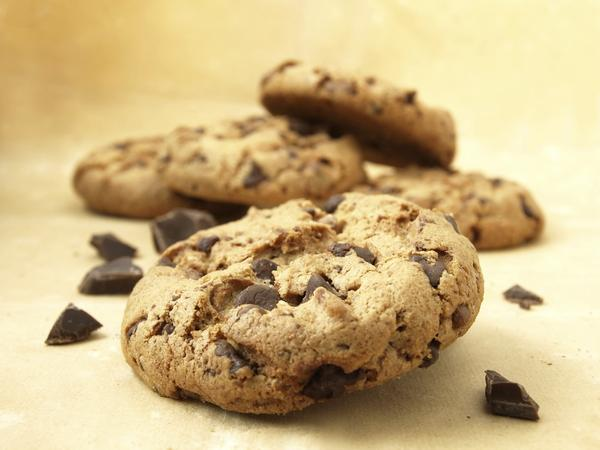 """In one study, reading a fictional news story about """"obesity genes"""" led participants to eat more cookies in a subsequent task."""