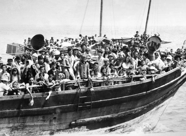 "In the 1970s, Iowans provided shelter to refugees fleeing the Vietnamese war (the ""Vietnamese boat people"")."