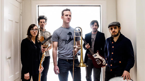 Trombonist and composer Jacob Garchik enlisted three guitarists and a drummer for his winding new concept album, <em>Ye Olde.</em>