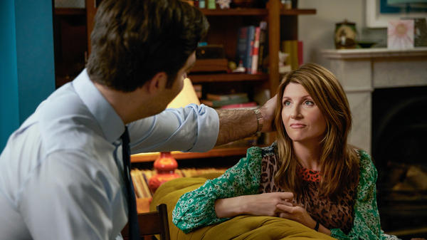 Sharon Horgan and Rob Delaney play a couple making their way through parenthood, marriage and their careers in the Amazon comedy series <em>Catastrophe</em>.