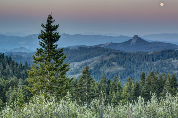<p>This view from the Pacific Crest Trail in the Cascade-Siskiyou National Monument includes the sun, moon, Mount Shasta and Pilot Rock.</p>