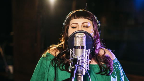 Beth Ditto performs live at KCRW.