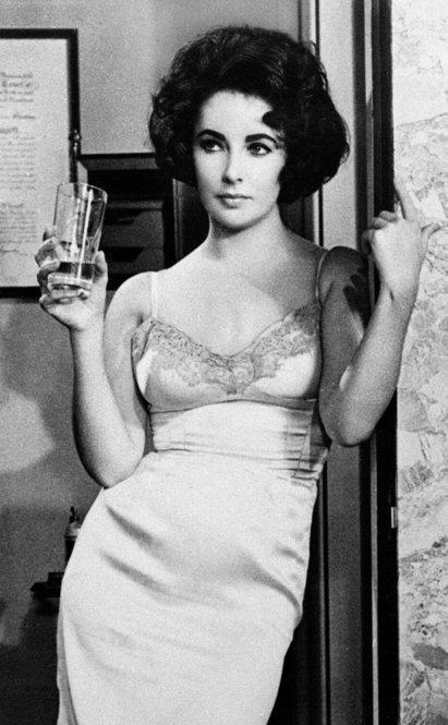 Taylor won an Academy Award in 1960 for her performance in <i>Butterfield 8</i> as a promiscuous model who falls in love with a married man.