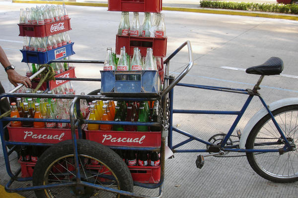 Soda delivery in Bosque de Chapultepec, Mexico City. Between 1989 and 2006, the consumption of sugary drinks increased by 60 percent per capita in Mexico.
