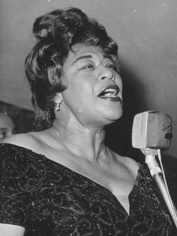 Singer Ella Fitzgerald during her performance at the Bal Pare in the Hotel Bayerischer Hof, Munich.