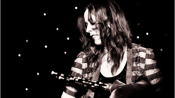 Kathryn Tickell, accomplished player of the Northumbrian pipes, is featured in this week's show.