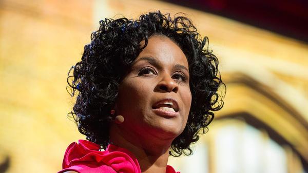 Linda Cliatt-Wayman on the TED stage.
