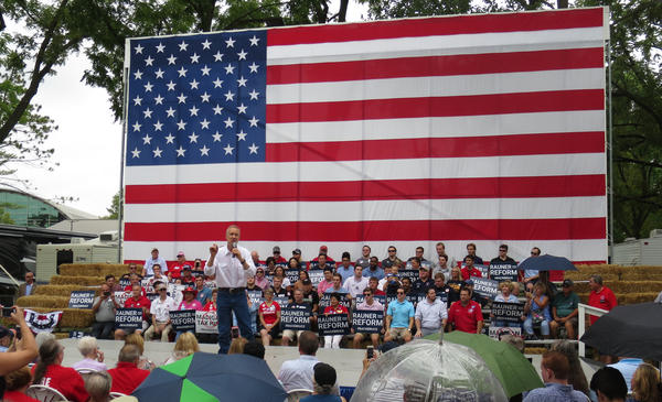 Gov. Bruce Rauner addresses Republicans at the Illinois State Fair on Aug. 16, 2017.