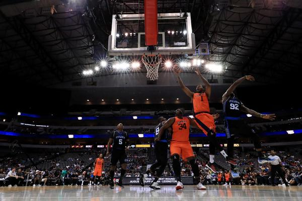 DerMarr Johnson of 3s Company attempts a shot while being guarded by Deshawn Stevenson of Power during week six of the Big3 three-on-three basketball league at American Airlines Center on July 30, 2017 in Dallas. (Ronald Martinez/BIG3/Getty Images)