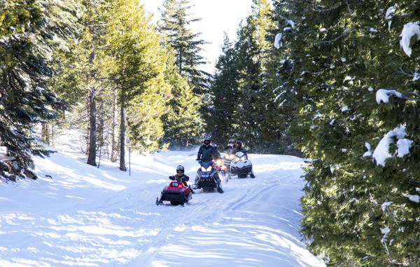 <p>Snow mobiles in the Cascade-Siskiyou National Monument. </p>