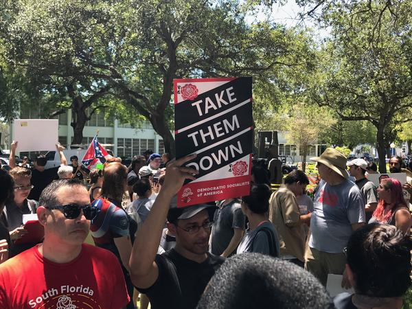More than 150 participated in a rally Wednesday before Hollywood's City Hall, demanding a change of name for Lee, Hood, and Forrest Streets.