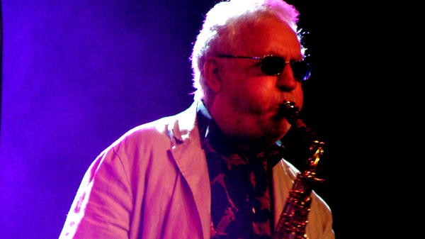 Lee Konitz.