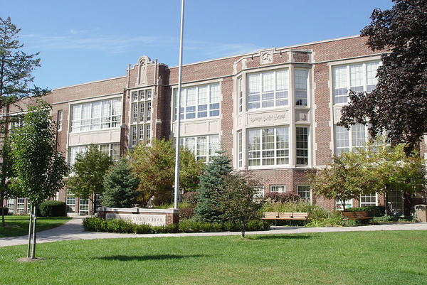 Defer Elementary School in Grosse Pointe Park.