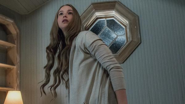 Things are getting <em>creeeeeeepy </em>for Jennifer Lawrence in Darren Aronofsky's new film, <em>mother!</em>