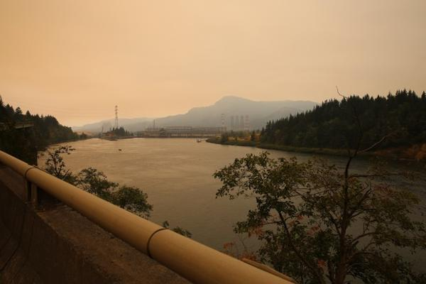 <p>Smoke from the Eagle Creek Fire fills the air near the Bonneville Dam along I-84 on Sept. 14, 2017.</p>
