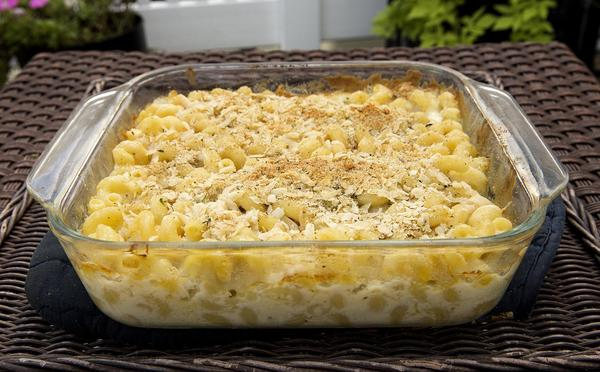 Kathy's macaroni and cheese with a thyme-Parmesan crust. (Robin Lubbock/WBUR)